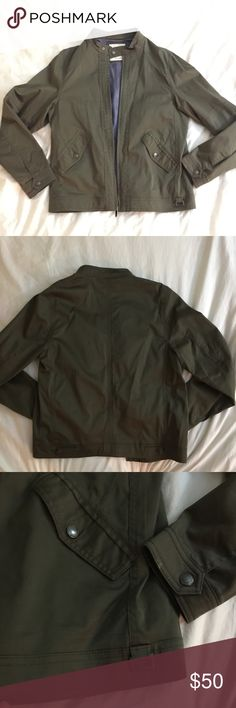 """❄️SALE❄️Zara Man Green Utility Jacket 🎉 MUST GO SALE! **Donating closet**  Sz Medium. Zara Man. Green Utility Jacket. Worn once. My boyfriend wears the same jacket every day and doesn't want to change. Need to make space.   ⭐️⭐️⭐️⭐️⭐️ Top Rated Seller 📦⚡️Fast Shipping (same/next day) Smoke-Free, Pet-Free 🏡 🛍 Bundle for discount Sorry ⛔️ tradesies, every 💵 counts right now ↬ Reasonable offers welcome via """"Offer"""" button Zara Jackets & Coats Military & Field"""