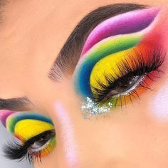 Learn about eye makeup tips & tutorials Rainbow Eye Makeup, Bright Eye Makeup, Dramatic Eye Makeup, Makeup Eye Looks, Colorful Eye Makeup, Eye Makeup Art, Dramatic Eyes, Crazy Makeup, Eyeshadow Makeup