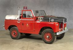 1962 LAND ROVER SERIES 11A MODEL 88:This truck was stationed at Bow Valley from 1962 until 1985, during which time it was used to extinguish fires in and around the Park. It was then transferred to Kananaskis Country East District where it was used to train volunteer firefighters. In 1988, it was deployed with Trail Maintenance, servicing campsites. In 1992, its historical value was recognized and it was transferred to the Foothills District where it was restored.