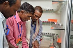 इंदिरा गाँधी कृषि विश्वविद्यालय में दुर्ग जिले के पंचायत प्रतिनिधियों ने धान की दुर्लभ किस्मों की प्रदर्शनी देखी. डोकरा-डोकरी, राम-लक्ष्मण, दूधमोंगरा, लुचई आदि विविध नामों एवं गुणवत्ता वाले धान की प्रजातियों के बारे में जानकर वे बेहद चकित हुए. यहाँ खेती-किसानी से सम्बन्धित उपकरणों और उसके उपयोग संबंधी जानकारी दी गई. कृषि कार्यों के दौरान कीट प्रकोप से बचने के उपाय, खाद-बीज, मिट्टी की उर्वरक क्षमता आदि के बारे में उन्हें बताया गया. प्रतिनिधियों ने कृषि तकनीक का बारीकी से अध्ययन किया.