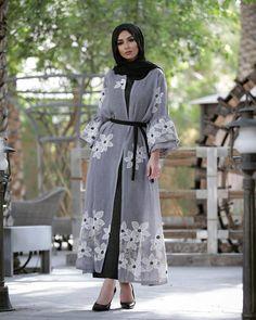 2019 Classy and Beautiful Hijab Outfits - Naija's Daily Arab Fashion, Islamic Fashion, Muslim Fashion, Girl Fashion, Fashion Outfits, Modest Fashion Hijab, Modesty Fashion, Hijab Chic, Fashion Muslimah
