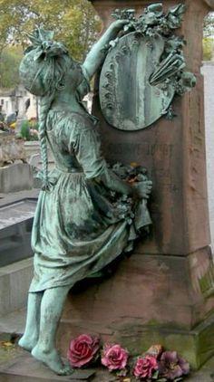 Sculpture de Frédéric-Auguste Bartoldi - cimetière du Montparnasse, Paris