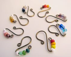 Delights-Gems: Let's Make Stitch Markers! Diy Crochet Stitches, Crochet Tools, Crochet Supplies, Loom Knitting, Knitting Patterns, Crochet Patterns, Yarn Projects, Crochet Projects, Diy 2018