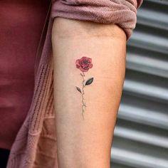 Splendid Meaningful and Attractive Minimal Tattoos Tatoo Pretty Skull Tattoos, Lace Skull Tattoo, Skull Rose Tattoos, Gorgeous Tattoos, Body Art Tattoos, Hand Tattoos, Amazing Tattoos, Quote Tattoos, Anchor Tattoos