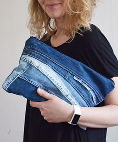 Large denim Clutch/ travel pouch/ or cosmetic pouch Jeans Azul, Blue Jeans, Denim Tote Bags, Recycle Jeans, Recycled Denim, Cosmetic Pouch, Casual Bags, Floral Fabric, Denim Fashion