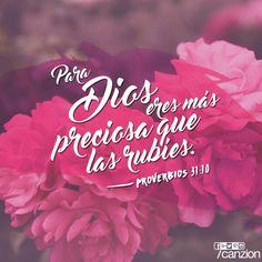 Proverbios 31:10 Mujer virtuosa, ¿Quién la hallará? Porque su estima sobrepasa largamente a la de las piedras preciosas.♔