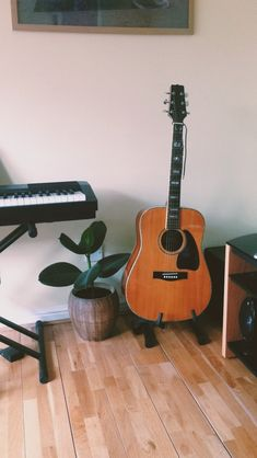 Nami plays piano & dj, and Aceso plays guitar and sax Basic Guitar Lessons, Online Guitar Lessons, Violin Lessons, Music Bedroom, Dream Bedroom, Acoustic Guitar Photography, Best Acoustic Guitar, Acoustic Guitars, Music Aesthetic