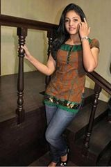 Bangalore beauty Riya thakur
