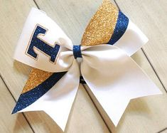 Navy Blue and Gold Team Cheer Bows Glitter Team Cheer Bows. School Cheerleading, Cheerleading Uniforms, Cheer Stunts, Football Cheerleading, Cheerleading Stunting, Cheerleading Photos, Cheer Pics, Cute Cheer Bows, Cheer Mom