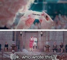 Omg, i love the Hunger Games! More Hunger Games jokes please! Hunger Games Memes, Hunger Games Fandom, Hunger Games Catching Fire, Hunger Games Trilogy, The Hunger Games 1, Oc Fanfiction, Lying Game, Jenifer Lawrence, Tribute Von Panem