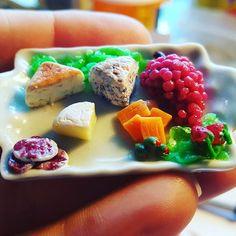 Mini Cheese & Fruit platter  Shop link in profile  #dollhousefood #dollhouse #handmade #dollhouseminiatures #miniature #etsy #etsyshop #doll #onesixthscale #barbiediorama #barbie #phicen #bjd #blythe #dollfoodforsale #barbiekitchen #barbiehouse #dolldiorama #onetwelthscale #cheese #fruit #snacks #cheeseandfruitplatter #horsd'oeuvre #charcuterie #charcuterieplatter