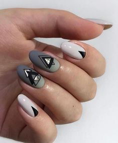 Whoever said nail art requires longer nails has never tried this trendy art on short nails. If you browse online, you'll be bombarded with an array of nail art designs in no time. Cute Easy Nail Designs, Short Nail Designs, Nail Art Designs, Cute Simple Nails, Perfect Nails, Gorgeous Nails, Graduation Nails, Transparent Nails, Easter Nails