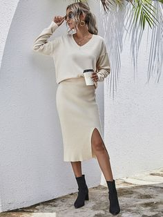 Sweater Skirt Outfit, Sweater Outfits, Knit Skirt, Dress Skirt, White Midi Skirt, Pencil Skirt Outfits, Tube Skirt, Fall Capsule Wardrobe, Work Fashion