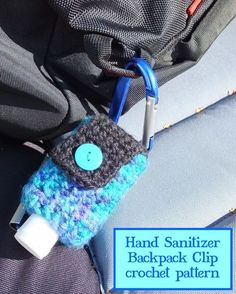 Hand disinfection backpack crochet eat the paste: hand sanitizer backpack clip crochet patternHand disinfection jackets, check!Hand sanitizer jackets are a great gift for teachers - personalize something teachers want and need!Hand sanitizer holder with Crochet Cozy, Quick Crochet, Crochet Gifts, Learn To Crochet, Crochet Yarn, Free Crochet, Crochet Pillow, Cotton Crochet, Hand Crochet