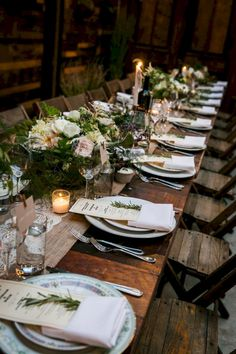 Nice 45+ Modern Impressive Wedding Table Setting Ideas for Guests to Admire Your Wedding https://oosile.com/45-modern-impressive-wedding-table-setting-ideas-for-guests-to-admire-your-wedding-15956