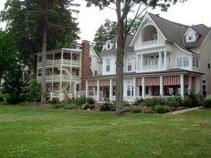 Chautauqua Institution - Beautiful Houses - along South Lake Drive - photo by Walt http://ettenw.org/