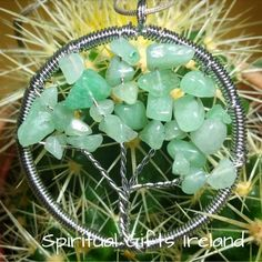 As simple as it sounds, connecting with nature has the power to give a subtle but profound change to your psyche and aura.🌻  It re-energises, creates positivity and instils a sense of peace and calm. 🌌 Green is the colour of nature, growth, rebirth and renewal. 🌾 This gorgeous Green Adventurine Tree of Life Pendant represents vitality and health. 🍃Often called the Opportunity Stone due to its powers of increase and manifestation, bringing new opportunities steeped in prosperity and…