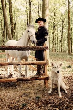 John Bell as young Ian Murray with his loyal companion Rollo - Vanity Fair photo -Outlander_Starz Season 4 Drums of Autumn - posted up October 2018 Diana Gabaldon Outlander Series, Outlander Casting, Outlander Tv Series, Starz Series, Starz Outlander, Outlander Characters, Outlander Quotes, Claire Fraser, Jamie Fraser