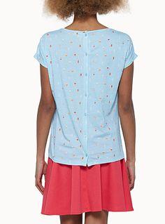Exclusivité Twik    - Rayures graphiques, pois et petits oiseaux s'affichent sur ce tee-shirt coupé droit et ample  - Boutonnage pleine longueur au dos  - Manches revers cousu