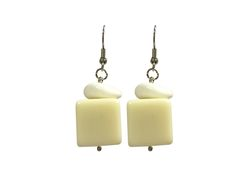 One Button earrings - cream cubes #creamwhites #earrings #accessories #onebutton Click to buy from the One Button shop. Button Necklace, Cubes, Buttons, Cream, Stuff To Buy, Shopping, Accessories, Jewelry, Creme Caramel