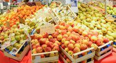 """""""Des agrumes gazés, des oilives oxydées, des pigments dans dans les oeufs et le saumon, des pommes encore """"fresh"""", des glaces qui ne manquent pas d'air...""""...  http://www.bioalaune.com/fr/actualite-bio/33664/5-pieges-de-lindustrie-agroalimentaire-eviter"""