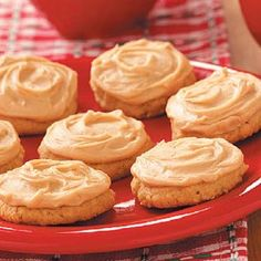 Frosted Peanut Cookies - Best Loved Cookies and Bars Dec 2009 Peanut Cookie Recipe, Butter Cookies Recipe, Peanut Butter Cookies, Cookie Desserts, Cookie Recipes, Dessert Recipes, Cookie Ideas, Yummy Treats, Delicious Desserts