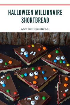 Halloween Millionaire Shortbread | Chocolade en Karamel koek | Betty's Shortbread, Gingerbread, Activities For Kids, Halloween, Desserts, Tailgate Desserts, Deserts, Ginger Beard, Children Activities