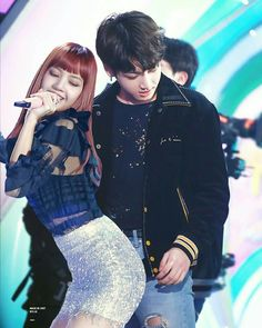It's just, so, liskook booty(looking)ful! So bootyful! Jungkook And Lisa, Diabolik Lovers, Bts Girl, Lisa Bp, Kpop Couples, Blackpink And Bts, Korean Couple, Photoshop, Bts Edits