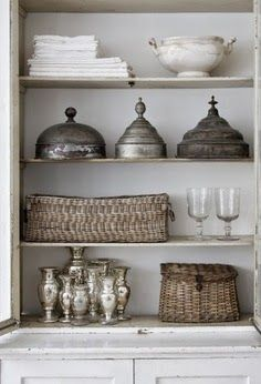 a perfect gray: wicker and silver...
