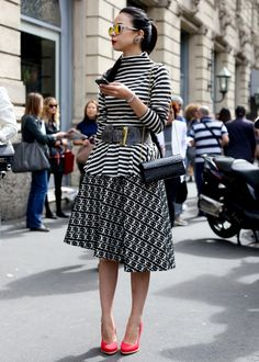 milan street style 6325 MFW Spring 2014 street style: Chic metallics and one gorgeous evening gown