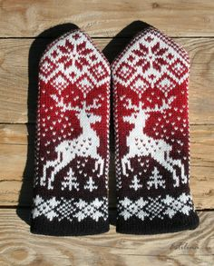 Mittens and gloves with deer free pattern Knitted Mittens Pattern, Knit Mittens, Knitted Gloves, Knitting Socks, Hand Knitting, Knitting Charts, Knitting Patterns, Knit Crochet, Crochet Hats