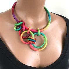 Anweisung Asymmetrische Halskette Rainbow von fiber2love auf Etsy