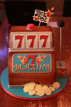Blazing 7's Slot machine cake by Andrea's SweetCakes, via Flickr