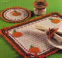 Crochet Projects Patterns Pumkin Kitchen Set free crochet pattern - 10 Free Crochet Pattern For the Fall - Looking for crochet patterns for fall? We got you covered. With these 10 fabulous and free fall crochet patterns you won't know where to begin! Crochet Pumpkin, Crochet Fall, Halloween Crochet, Holiday Crochet, Crochet Home, Crochet Gifts, Free Crochet, Knit Crochet, Crochet Placemats