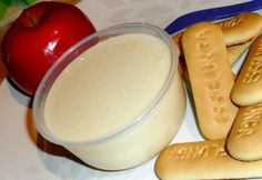 Kekszes-joghurtos almapüré babáknak Hot Dog Buns, Hot Dogs, Baby Food Recipes, Kids Meals, Ale, Food And Drink, Pudding, Food Kids, Bread
