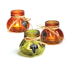 Our small candle jars with leaf charms are perfect for bringing fall ambiance to any space.  Choose from a great assortment of fall colors!