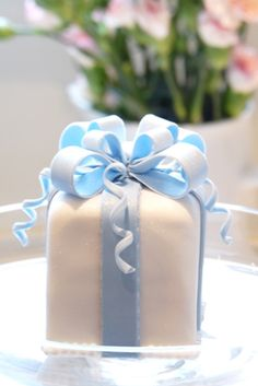 Blue and white petit four