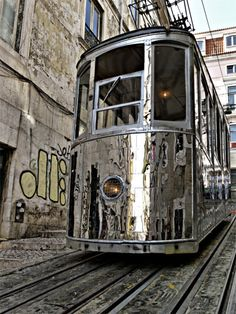 "Riding in style, very cool details and polished metal. ""Elevador da Bica"" in Lisbon, PORTUGAL by the Portuguese artist Alexandre Farto Trains, Foto Fun, Tramway, Train Tracks, Belle Photo, Silver Color, Transportation, To Go, Chrome"