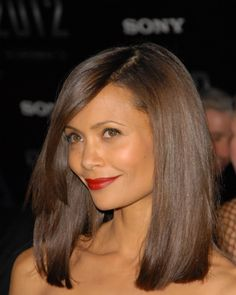The actress' collarbone-grazing cut gives her hair plenty of bounce and body. Copy her style by spritizing your hair with a heat-protecting spray and then straightening with a flat iron. How to Straighten Hair with a Flat Iron Medium Haircuts For Straight Hair, Medium Hair Cuts, Medium Hair Styles, Straight Hairstyles, Curly Hair Styles, Ethnic Hairstyles, American Hairstyles, Pretty Hairstyles, Middle Hairstyles