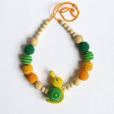 Crochet nursing necklace with toy Crochet nursing di Meiroadas