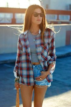 40 Casual And Formal Plaid Shirt Outfits For Women Look Fashion, Autumn Fashion, Fashion Spring, Look Adidas, Only Shorts, Casual Outfits, Girl Outfits, Casual Shorts, High Wasted Shorts Outfit