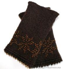 Åttebladsrose - brune pulsvarmere i økologisk ullgarn, med mønster i kobberfargete glassperler. Crochet Top, Knitting, Knits, Tops, Women, Fashion, Brown, Moda, Tricot