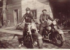 Photo: Nazi Soldier delivering Mail on Motorcycle Nazi Germany Ww2 Pictures, Military Pictures, Historical Pictures, Harley Davidson History, Classic Harley Davidson, German Soldiers Ww2, German Army, Germany Ww2, War Photography