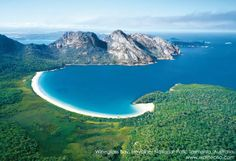 Wineglass Bay - Freycinet National Park, Tasmania, Australia - http://youtu.be/8kK573ZNv78 - 17 hotels in Wineglass Beach > http://www.booking.com/landmark/au/wineglass-beach.pt-br.html?aid=351276 - #Hiking > http://youtu.be/tzQRv-WSLws