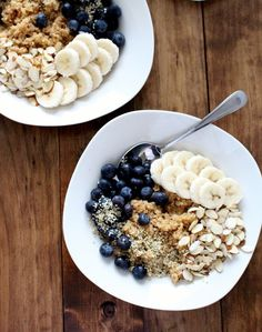 quinoa breakfast bowl. 1 1/2 cups cooked quinoa. 1 cup blueberries. 1 banana. 1/4 cup sliced almonds. 2 tbsp hemp seeds. 1-2 tbsp real maple syrup. 1 tsp cinnamon.