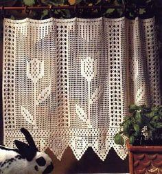 cortina de croche Crochet Curtain Pattern, Crochet Patterns Filet, Crochet Lace Edging, Crochet Curtains, Curtain Patterns, Thread Crochet, Crochet Doilies, Crochet Stars, Love Crochet