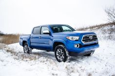 Here's a first look at the new 2016 Toyota Tacoma scheduled to be officially unveiled on Monday at the North American International Auto Show in Detroit, MI! (via Motor Trend Magazine)