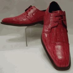Brand new mens cool, bright pink fuschia croco stamped faux leather lace-up dress shoes oxfords. Great looking shoes have modern look and brown sole. Designed by Roberto Chillini Status style number Brand new in box. Men Dress, Dress Shoes, Leather And Lace, Bright Pink, Oxford Shoes, Lace Up, Brand New, Brown, Style