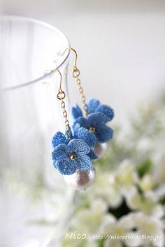Crochet Jewelry Patterns, Crochet Earrings Pattern, Crochet Symbols, Crochet Flower Patterns, Crochet Accessories, Handmade Accessories, Crochet Flowers, Crochet Wallet, Crochet Bracelet