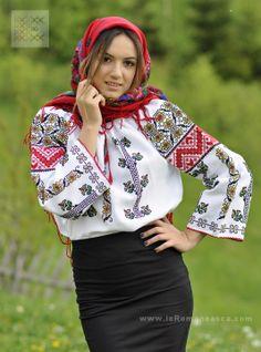 Hand embridered Romanian peasant blouses - Moldavian top